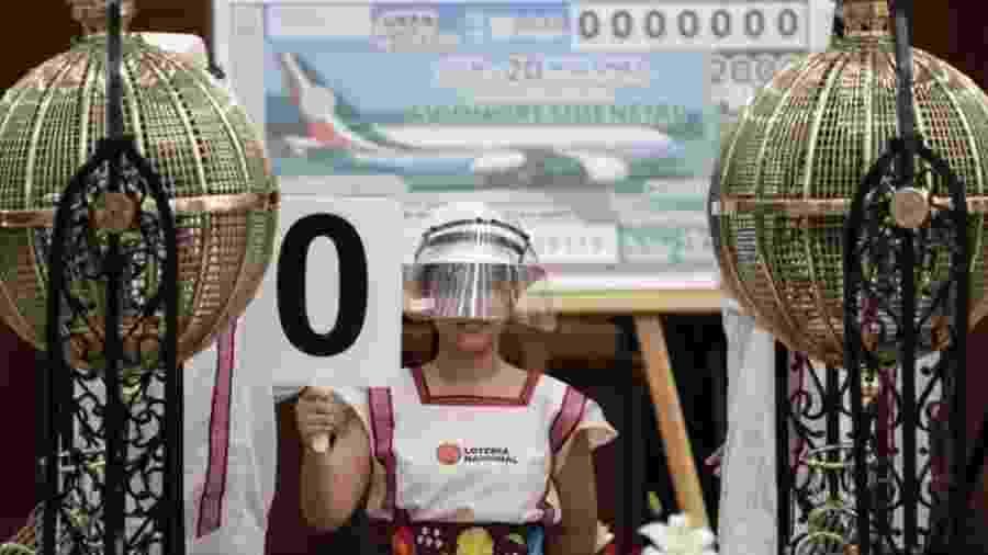 Depois de uma enorme campanha midiática, sorteio da aeronave presidencial finalmente foi realizado no México - Reuters