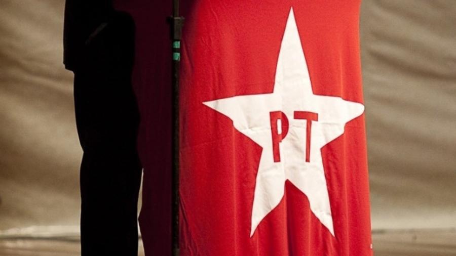 Bandeira do PT - Sergio Lima/Folhapress