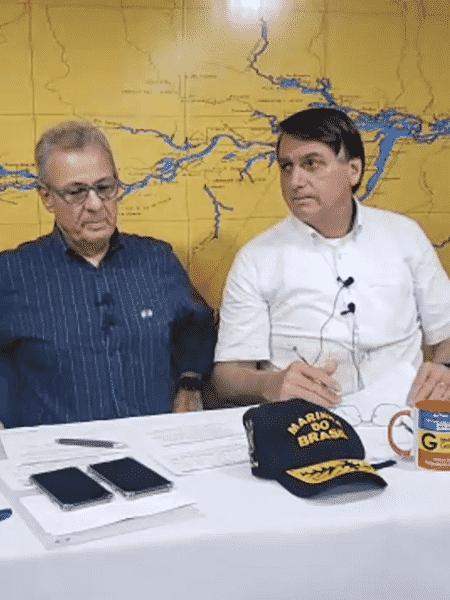 O presidente Jair Bolsonaro (sem partido) durante sua live semanal - Reprodução/YouTube