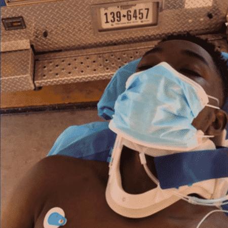 Paramédicos foram acionados e levaram o youtuber para o hospital - Reprodução/Instagram/@SaaFomba - Reprodução/Instagram/@SaaFomba