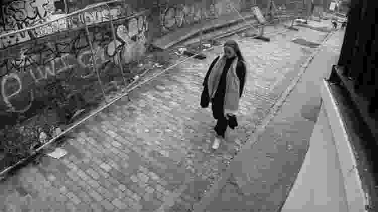 Silkie Carlo (imagem), coordena uma iniciativa que monitora o uso do reconhecimento facial pela polícia do Reino Unido - Divulgação - Divulgação