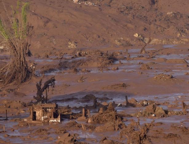 Distrito de Bento Rodrigues, em Mariana, destruído pelo rompimento da barragem de Fundão