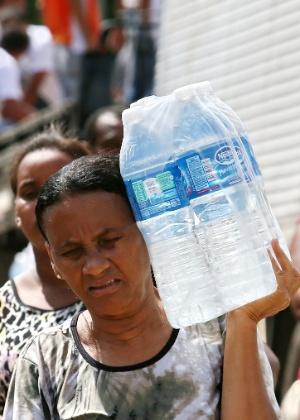 Em novembro, Governador Valadares ficou sem água para beber ou lavar louça por causa da onda de lama vinda de Mariana