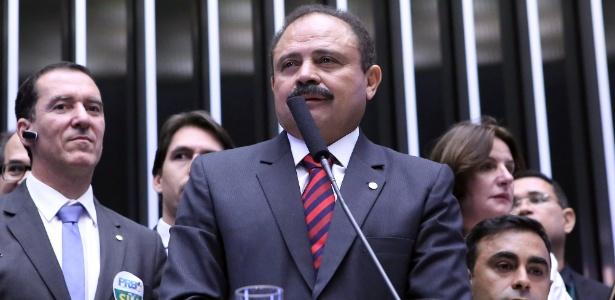 Waldir Maranhão (PP-MA) assume interinamente a presidência da Câmara com afastamento de Cunha