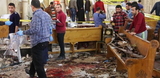 Interior da igreja de São Jorge, em Tanta, local de uma das explosões