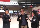 Vigilância onipresente: repórter testa óculos de reconhecimento facial da polícia chinesa - Dong Fangzhong via The New York Times