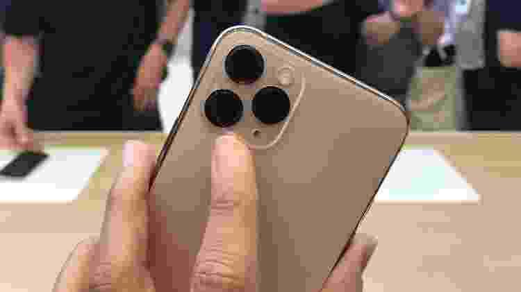 Detalhe da câmera traseira dos iPhone 11 e 11 Pro, da Apple - Bruna Souza Cruz/UOL - Bruna Souza Cruz/UOL