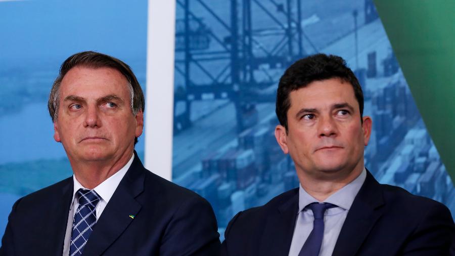STF autorizou que sejam investigadas as denúncias de Moro (d) contra Bolsonaro - Carolina Antunes - 18.dez.19/PR
