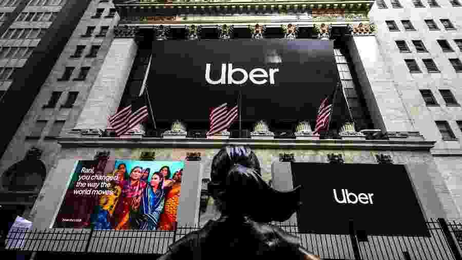 Logotipo do Uber decora exterior da Bolsa de Nova York - Jeenah Moon/The New York Times