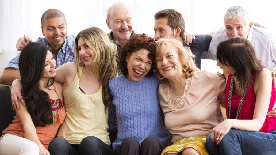 A expansão da bolha social permite que mais pessoas sejam incorporadas ao núcleo familiar, que devem manter esse relacionamento de forma exclusiva - Getty Images