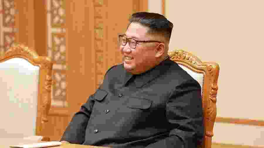 Imprensa estatal diz que Kim fez alerta contra relaxamento apressado das restrições - Getty Images