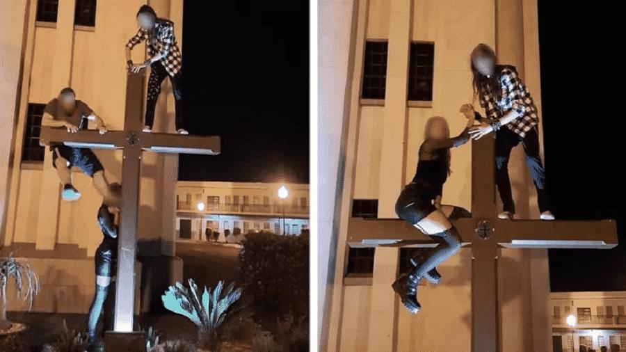 Após a repercussão das imagens do trio escalando a cruz da igreja local, fiéis solicitaram a tomada de medidas cabíveis ao caso - Reprodução/Redes Sociais