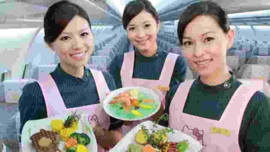 """Comissárias de bordo irão atuar como """"cupidos"""" durante voo da EVA Airways - Reprodução/EVA Airways"""