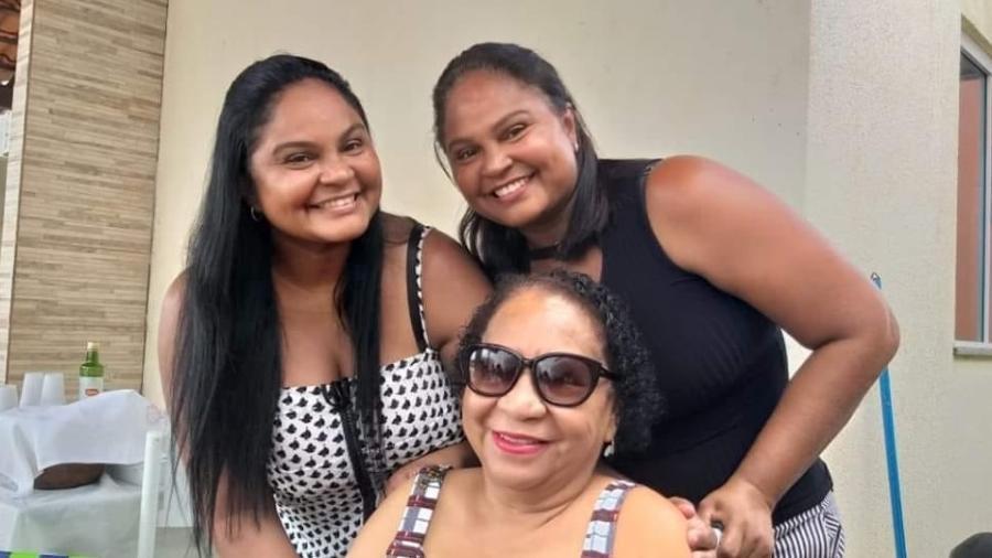 As irmãs Alessandra e Patrícia, e a mãe Áurea, morreram com covid-19 - Arquivo Pessoal