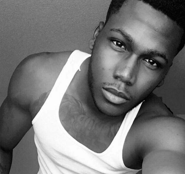 """Jason Benjamin Josaphat, 19, também foi uma das vítimas do massacre numa casa noturna na Flórida (EUA). Ele morava em Orlando, local do tiroteio, e é lembrado por amigos e pela família como """"jovem e talentoso"""""""