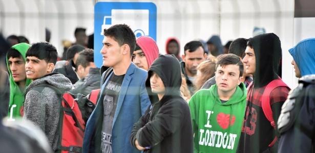 Governo calcula que 1.500 menores estão em Calais desacompanhados
