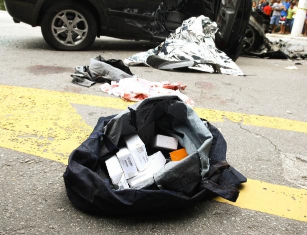 Polícia recuperou produtos roubados de loja após perseguição na manhã desta sexta - Aloisio Mauricio/Fotoarena/Estadão Conteúdo
