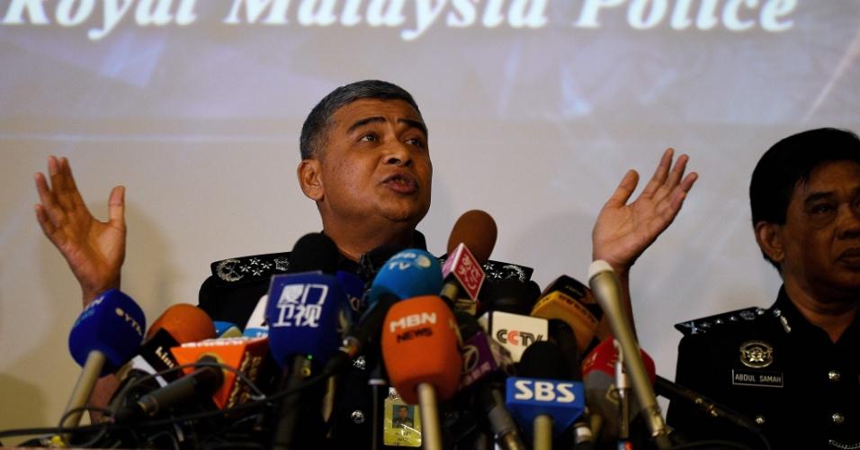 22.fev.2017 - Chefe de polícia da Malásia, Khalid Abu Bakar, em conferência de imprensa na capital do país