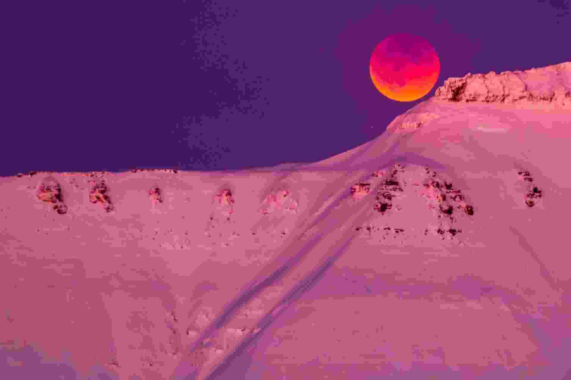 "31.jan.2018 - Uma ""superlua azul de sangue com eclipse"" é vista de Longyearbyen, na Svalbard (Noruega) - Heiko Junge/NTB Scanpix/Reuters"
