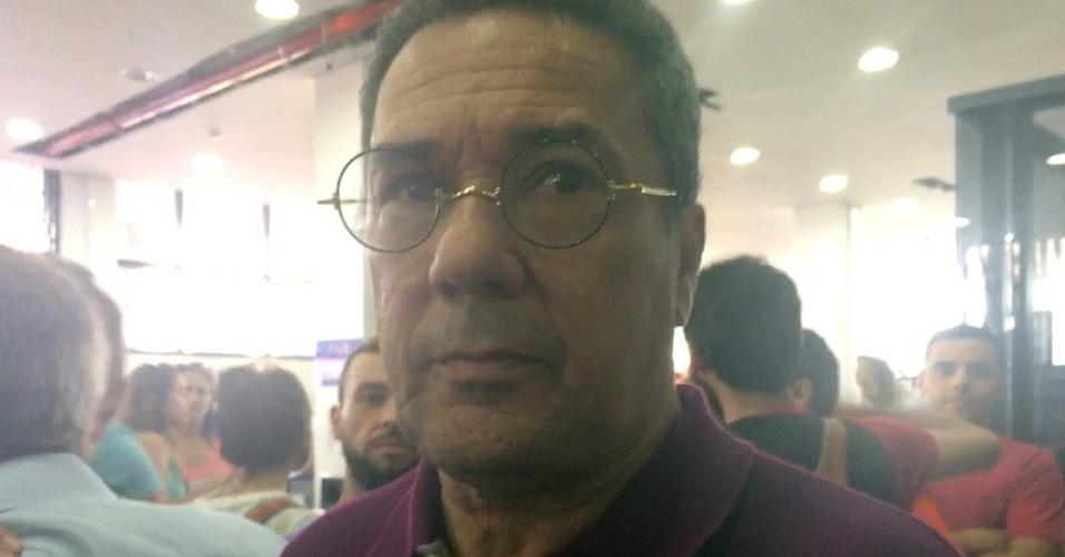 Técnico de futebol Vanderlei Luxemburgo chegou ao Sindicado dos Metalúrgicos do ABC para prestar sua solidariedade ao ex-presidente Lula