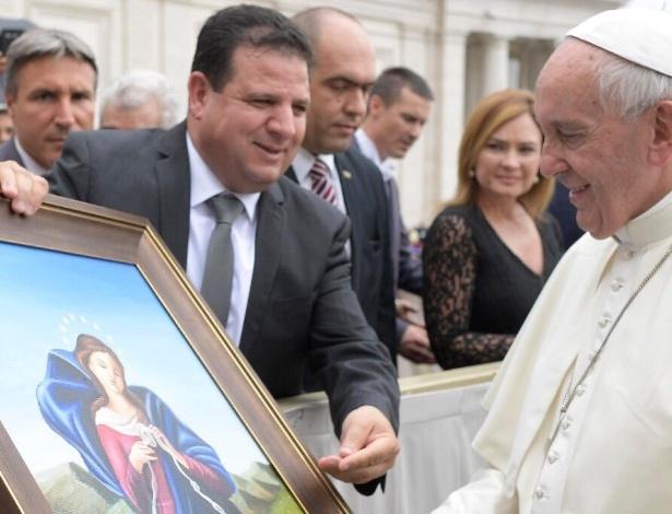 Deputado Ayman Odeh se encontra com o papa Francisco no Vaticano - Divulgação