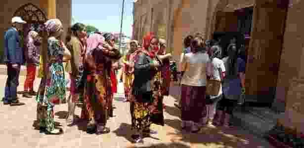 Pessoas de diversas religiões viajam ao Uzbequistão para visitar o túmulo de Daniel - BBC - BBC