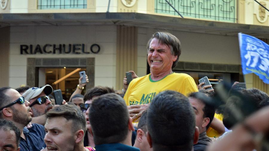 Jair Bolsonaro é esfaqueado durante campanha eleitoral em Juiz de Fora (MG) - Raysa Leite/Folhapress