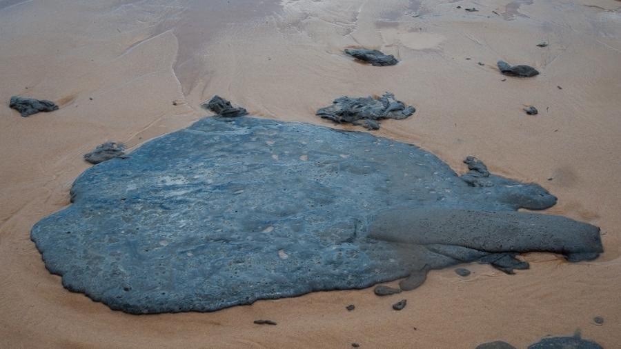 As manchas de óleo chegaram à Bahia no início de outubro - Divulgação/Adema