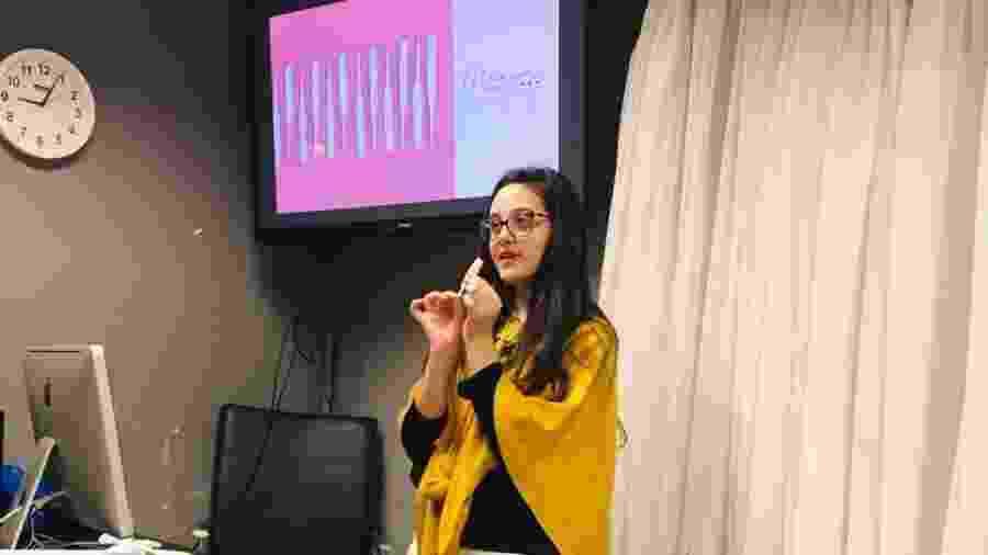 Rafaella durante a apresentação de seu TCC - Arquivo pessoal