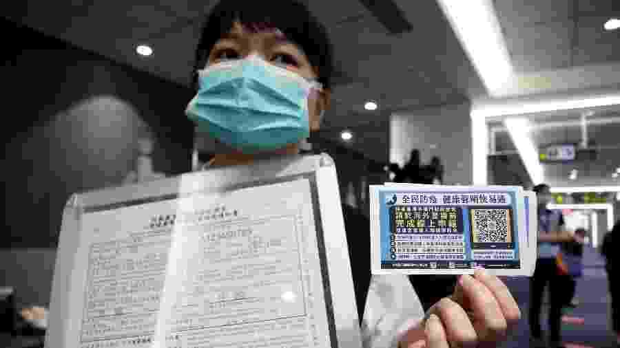 Passageira embarca para ter experiência de viagem em voo falso em Taiwan  - Ann Wang/Reuters