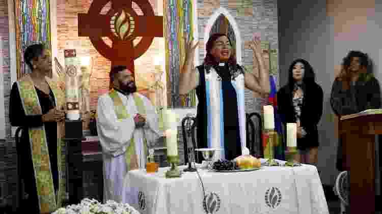 Alexya Salvador celebra culto em igreja em que é pastora - Arquivo Pessoal - Arquivo Pessoal