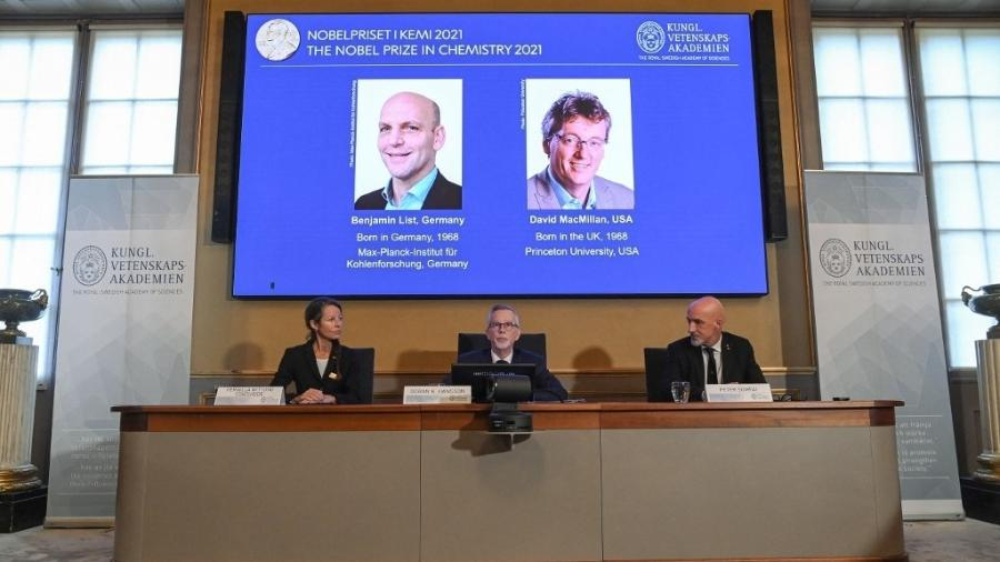 Benjamin List e David MacMillan são anunciados os vencedores do Nobel de Química 2021 - JONATHAN NACKSTRAND/AFP
