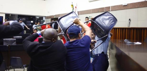 Audiência do Plano Diretor de Belo Horizonte terminou em briga entre militantes e seguranças