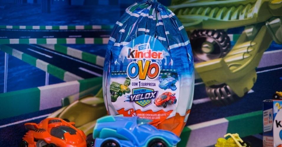 """Os brindes da Kinder deste ano têm como temas """"Velox"""" e """"Reino das Fadas"""". Os preços dos ovos variam de R$ 5,59 (20g) a R$ 56,49 (150g)"""