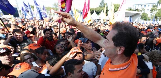 O deputado federal Paulo Pereira da Silva (SD-SP), o Paulinho da Força, participa de evento pelo Dia do Trabalho da Força Sindical, na zona norte de São Paulo