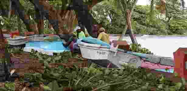 8.set.2017 - Barcos vão parar em rua após a passagem do furacão Irma em Puerto Plata, na República Dominicana - Ricardo Rojas/Reuters - Ricardo Rojas/Reuters
