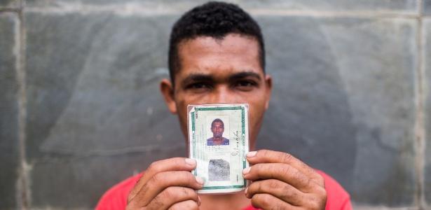 Robério de Jesus veio de Jacobina (BA) para tentar arrumar emprego em São Paulo; mesmo morando na rua, ele não quer retornar para a terra natal