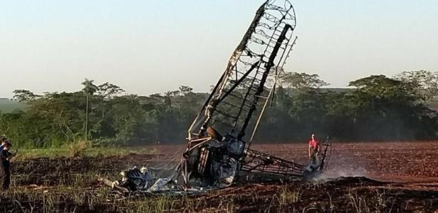 Avião cai e pega fogo treinamento no interior de São Paulo