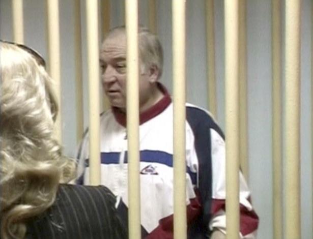 Sergei Skripal durante audiência em tribunal militar em Moscou, em 2006