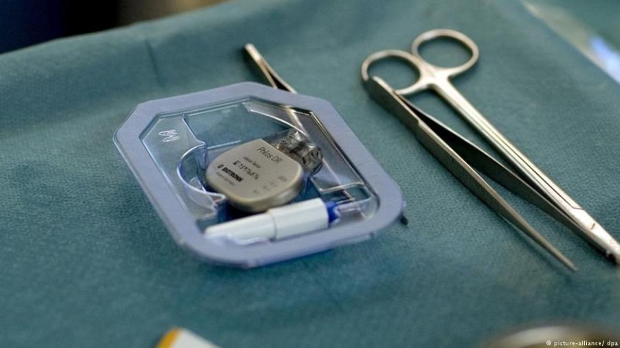 Cirurgia de marcapasso em hospital da Alemanha - picture-alliance/ dpa