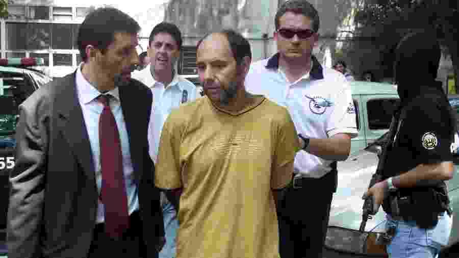 Chileno Mauricio Hernández Norambuena preso em fevereiro de 2002 - Paulo Whitaker/Reuters/Arquivo