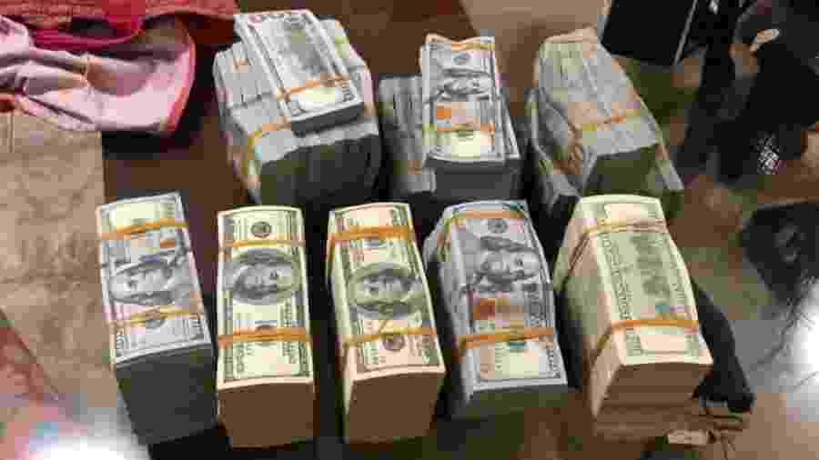 Dinheiro apreendido em operação da PF contra traficantes, incluindo membros do PCC - Divulgação/Polícia Federal
