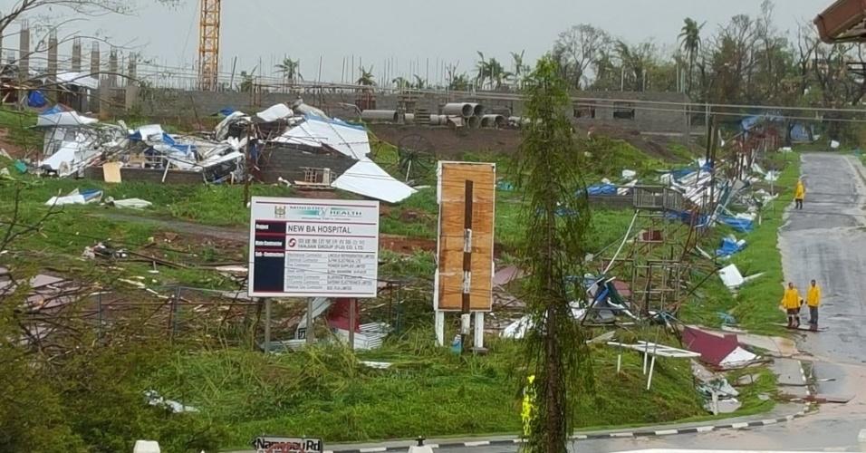 21.fev.2016 - A passagem do ciclone Winston neste sábado causou estragos nas Ilhas Fiji, como a destruição de uma hospital na cidade de Ba. A tormenta foi a mais forte já registrada no Hemisfério Sul, com ventos de até 220 quilômetros por hora. O governo do país insular impôs toque de recolher e decretou estado de desastre natural