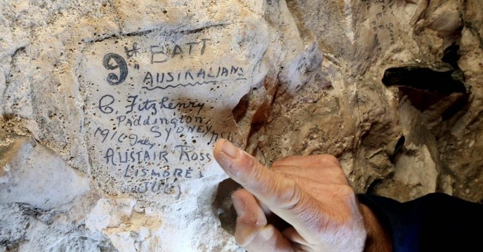 23.abr.2016 - Cem anos depois da Primeira Guerra Mundial, arqueólogos descobriram inscrições de soldados nas paredes da passagem de Naours, na França. O achado fica próximo do local onde aconteceu a batalha de Somme