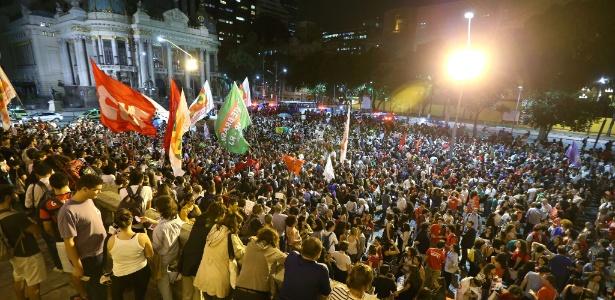 Manifestantes contrários ao impeachment de Dilma protestam no Rio - Marco Antonio Teixeira/UOL
