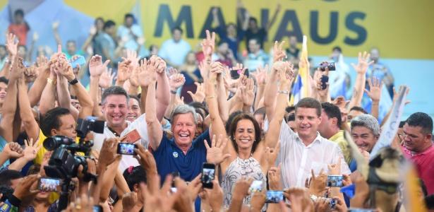 O prefeito de Manaus, Artur Virgílio Neto (PSDB), comemora e reeleição
