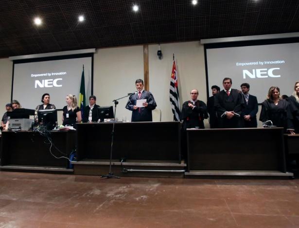 Juiz Adílson Palkoski Simoni pronuncia a sentença de Elize Matsunaga