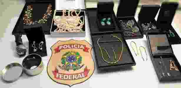 Joias apreendidas na casa de Cabral e Adriana, em novembro do ano passado - Divulgação/Polícia Federal - Divulgação/Polícia Federal