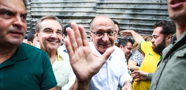 Geraldo Alckmin com Aécio Neves e Agripino Maia em manifestação de março de 2016 na avenida Paulista