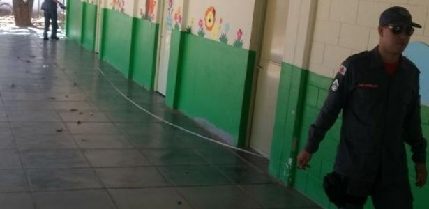 11.out.2017 - Bombeiros fazem vistorias em escolas municipais de Janaúba (MG)